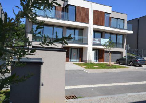 Rodinný dům 6+1 (typ 5A), <span>Praha 10 Malešice</span> <i>už. pl.248 m<sup>2</sup></i>